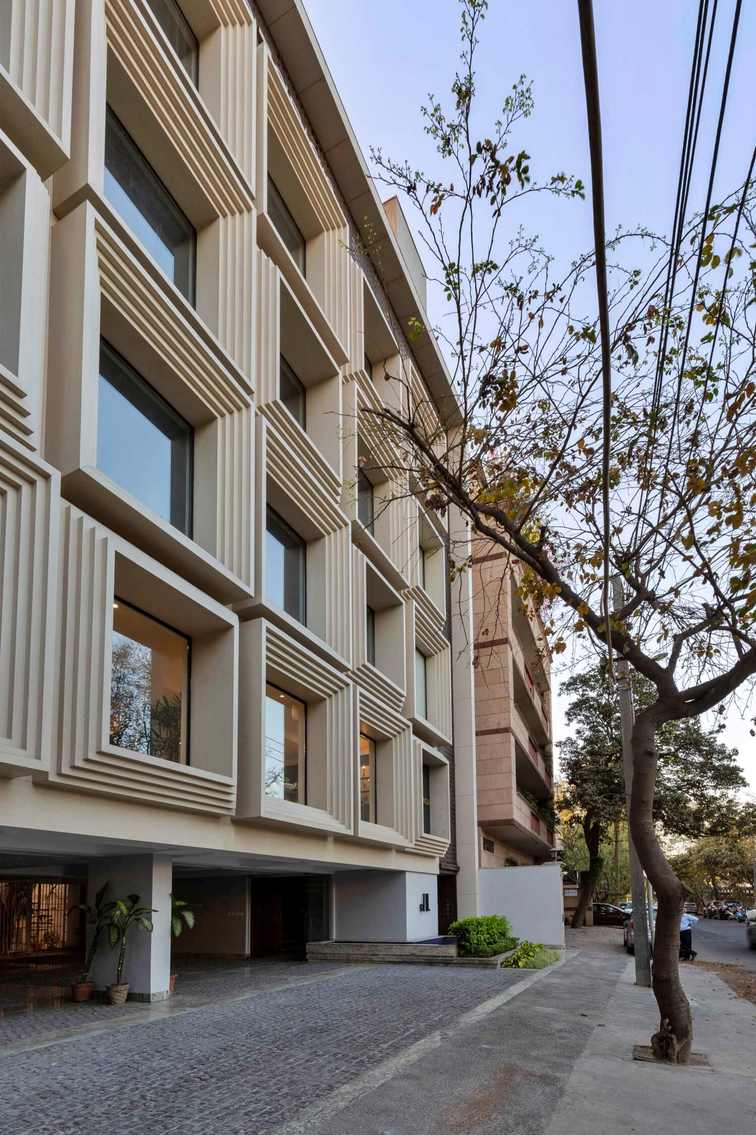 Commercial-Building-for-Kataria's (5)